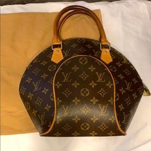 Authentic Louis Vuitton Brown Monogram Ellipse Bag